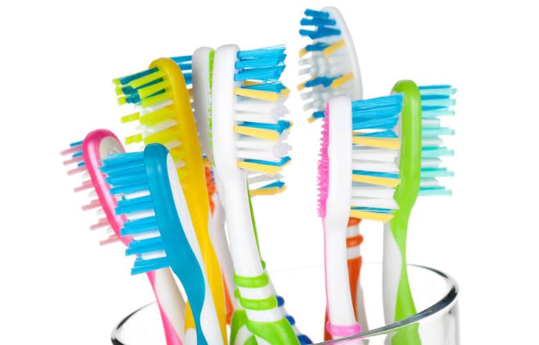 Πως μπορείτε να καθαρίσετε την οδοντόβουρτσά σας