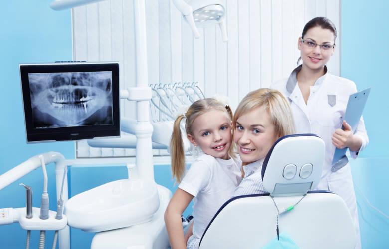 Συμβουλές για την πρώτη επίσκεψη του παιδιού στον οδοντίατρο