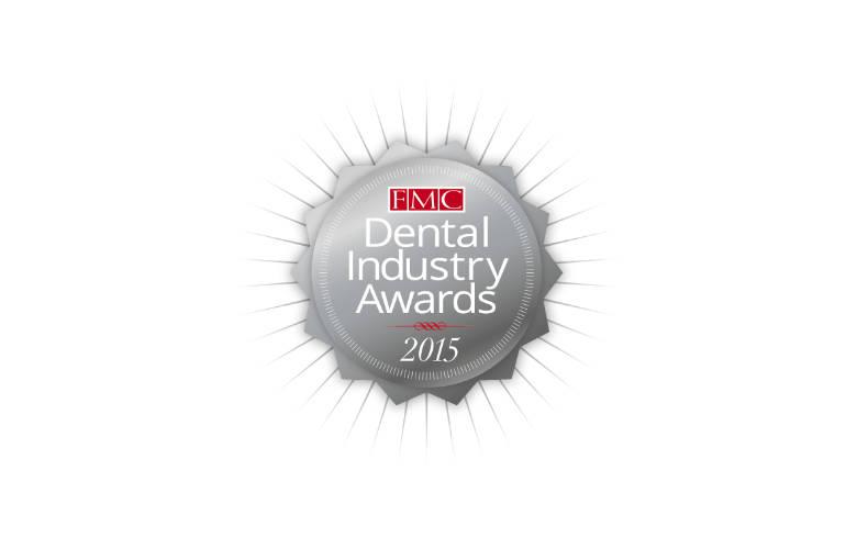 Πρώτα Βραβεία της Οδοντιατρικής Βιομηχανίας στην Αγγλία