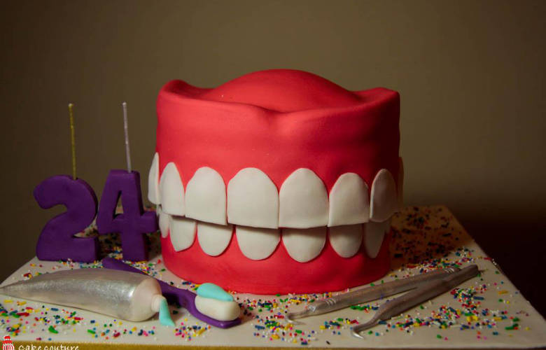 Τούρτες φτιαγμένες ειδικά για...οδοντιάτρους!