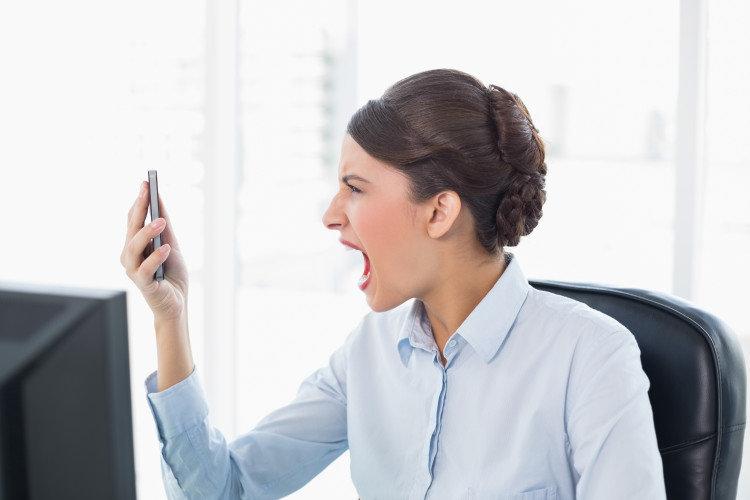Μήπως το κινητό σου βάζει τρικλοποδιά στην αποδοτικότητα;