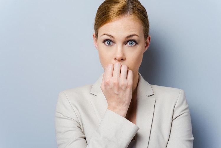 Πώς να βοηθήσετε τους ασθενείς που τρώνε τα νύχια τους