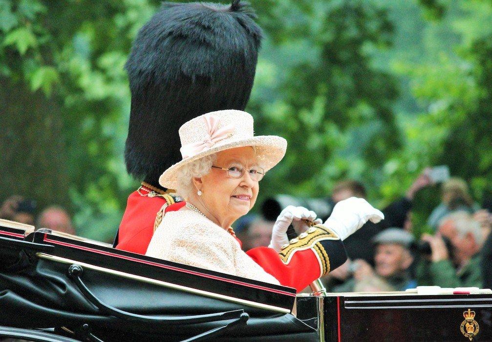 Ποιους οδοντιάτρους τίμησε η Βασίλισσα Ελισάβετ;
