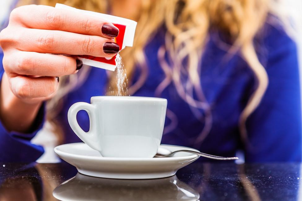 Η πρόσληψη καφεΐνης μπορεί να προκαλέσει μεγαλύτερη επιθυμία για ζάχαρη!